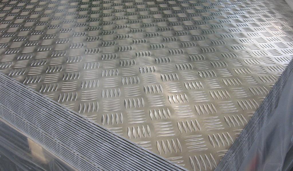 Lastre alluminio antiscivolo